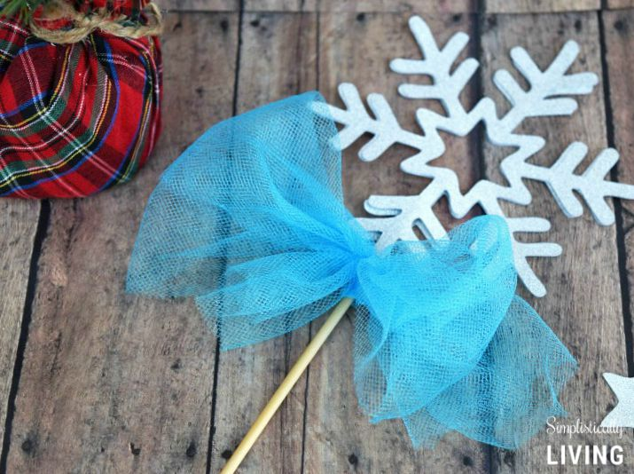 frozen snowflake wand featured