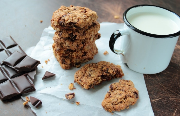 Homemade Peanut Butter Chocolate Chip Lactation Cookies #lactationcookies #lactationrecipes #milksupply #peanutbutterchocolate #chocolatechipcookies #cookierecipes