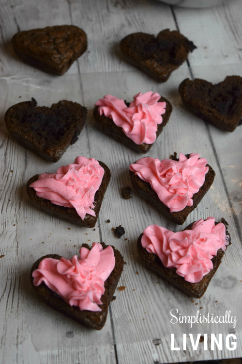 heart brownies with frosting