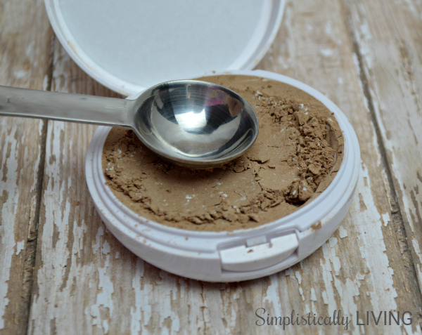 homemade bronzer compacted