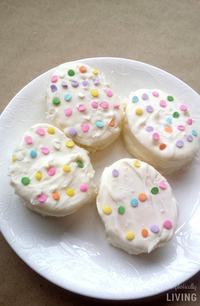 Homemade Easter Cakes #easter #easterdessert #eastercakes #homemade #homemadeeaster