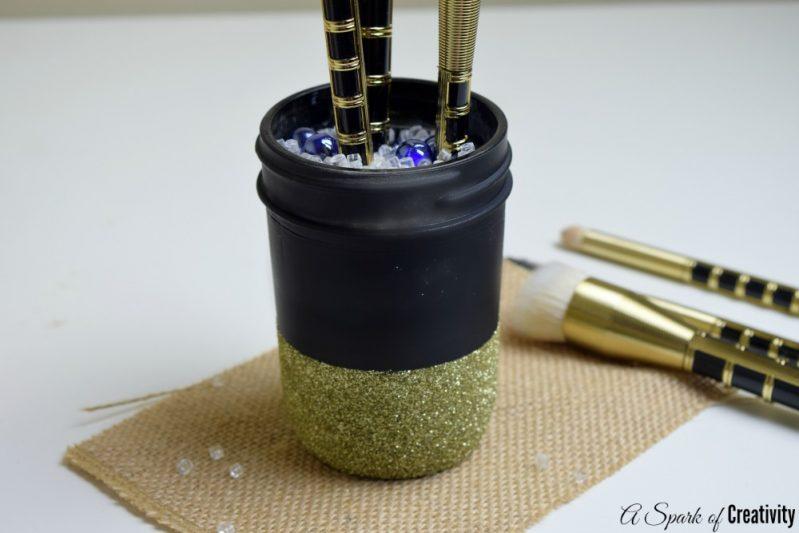DIY-Chic-Makeup-Brush-Holder-final1