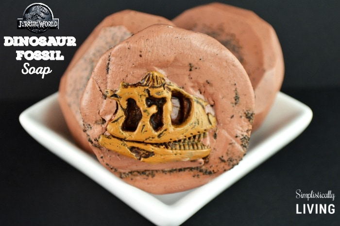 Jurassic World Dinosaur Fossil Soap featured