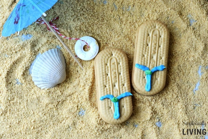 Flip flop cookies | DIY Beach Party Ideas For Your Beach-Themed Celebration