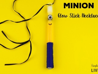 DIY Minion Glow Stick Necklace