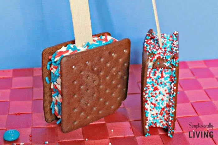 Patriotic Ice Cream Sandwiches Featured