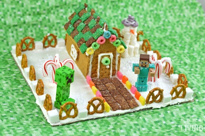 minecraft gingerbread house featured