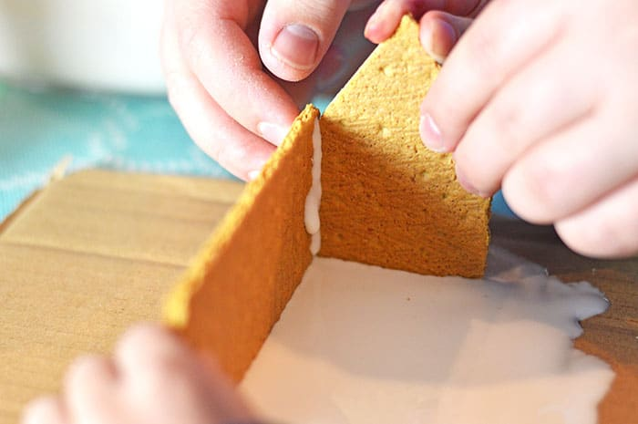 minecraft gingerbread house inprocess3