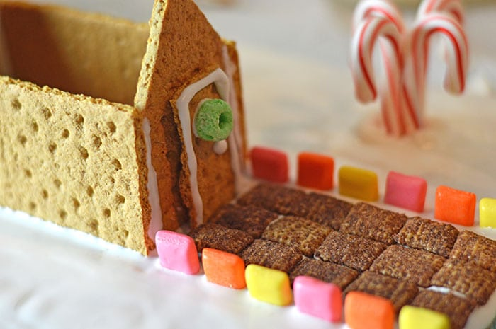 minecraft gingerbread house inprocess7