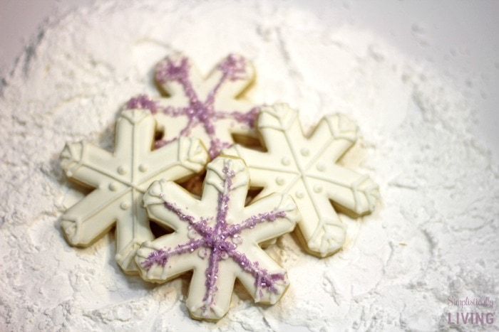snowflake sugar cookies featured