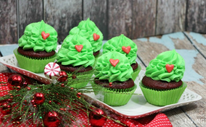 the grinch cupcakes2