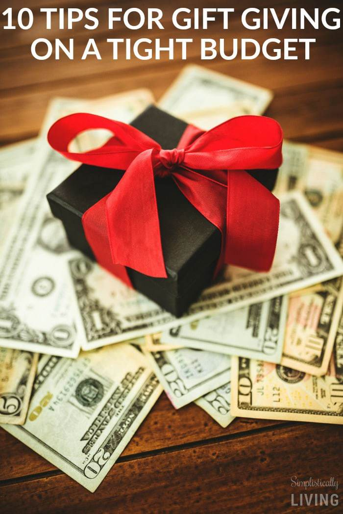 10 Tips for Gift Giving on a Tight Budget