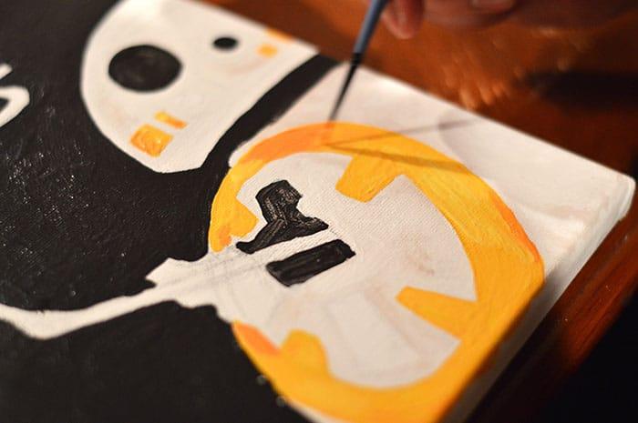DIY BB-8 Painted Cavas Step4