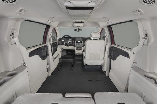 BraunAbility_Chrysler_InsideMinivan_hi