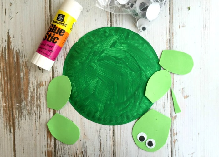 DIY Turtle Paper Plate Step1