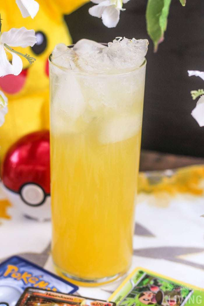 Pineapple Pikachu Daiquiri #pikachu #pokemon #pokemonparty #pokemonrecipes #cocktail