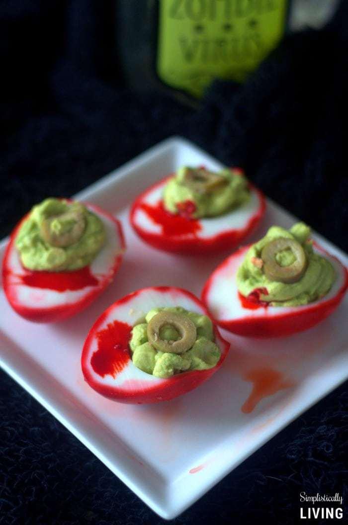 zombie-eye-deviled-eggs2