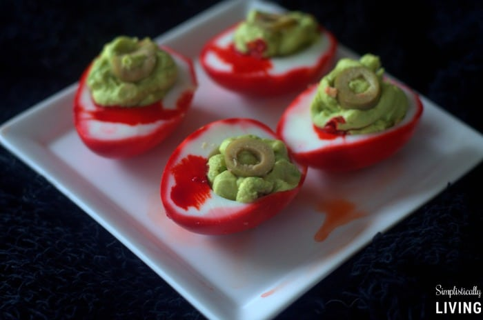 zombie-eye-deviled-eggs4