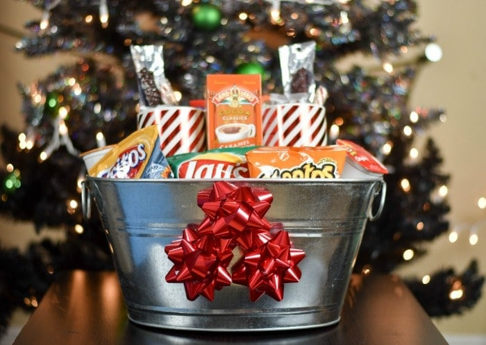 movie-night-munchie-gift-basket-featured
