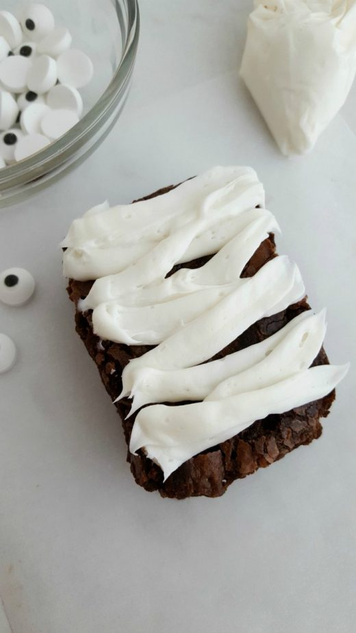Mummy Brownies #mummytreats #mummybrownies #mummy #halloweentreats #halloweenrecipes