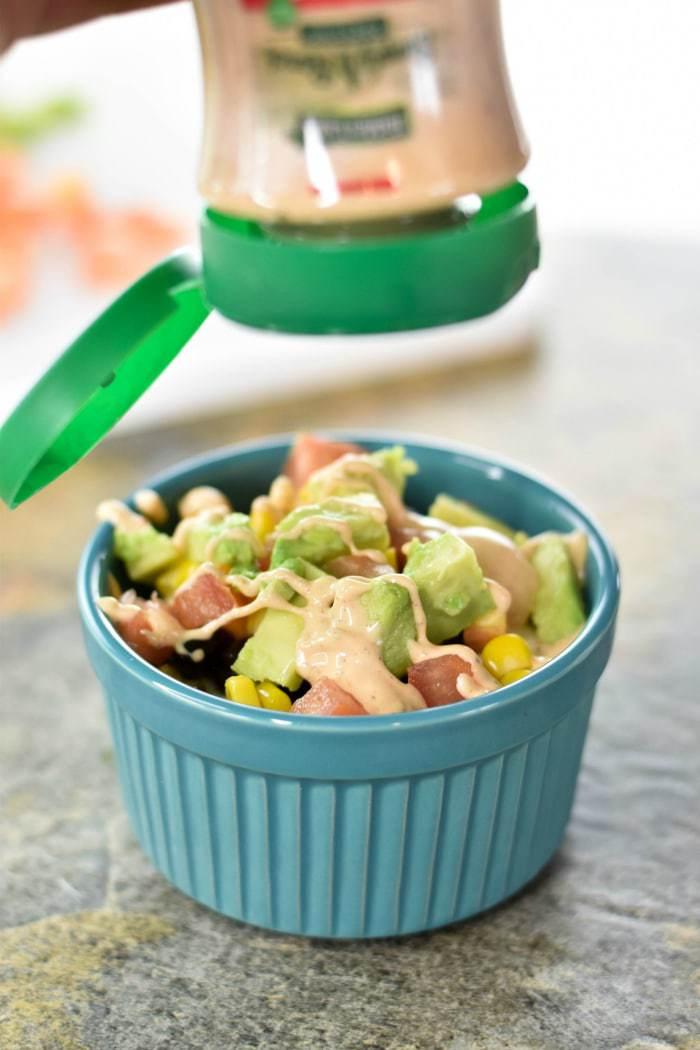 5-Minute Vegetarian Southwestern Rice Bowls #vegetarian #southwestern #rice #ricebowls #quickrecipes #easyrecipes