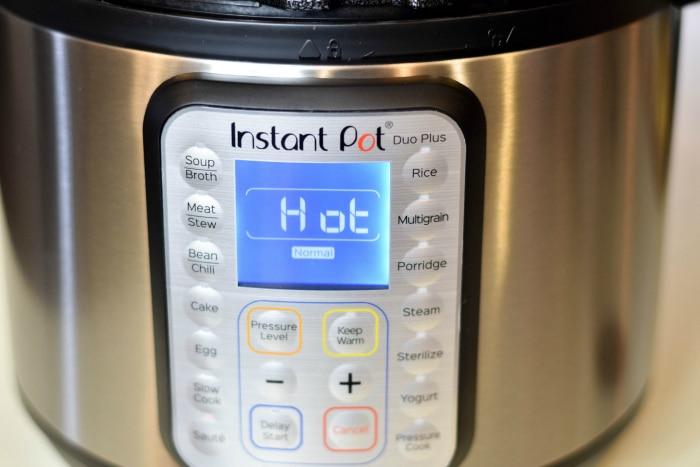 Instant Pot Roasted Fingerling Potatoes #instantpot #roastedpotatoes #potatoes #instantpotpotatoes