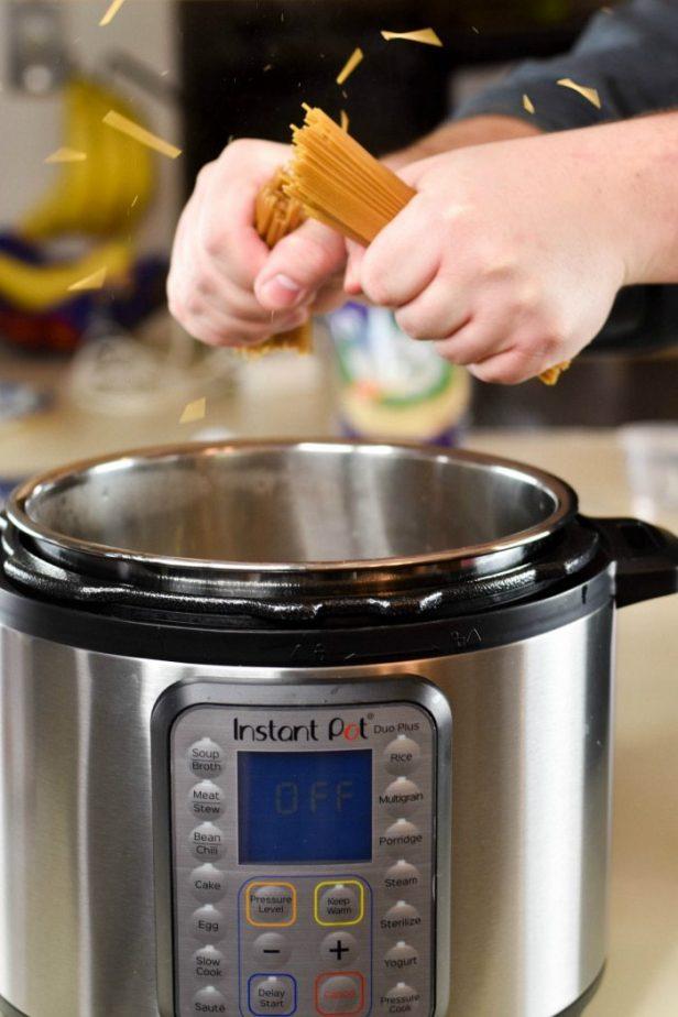 Lean Instant Pot Spaghetti #instantpot #lean #spaghetti #chickensausage #instantpotspaghetti