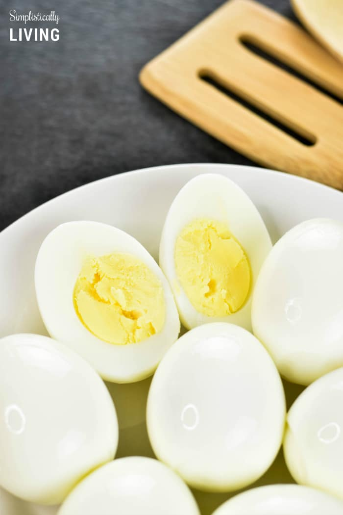 The Best Hard Boiled Eggs EVER #hardboiledeggs #eggs #besteggsever #instantpot #instantpoteggs