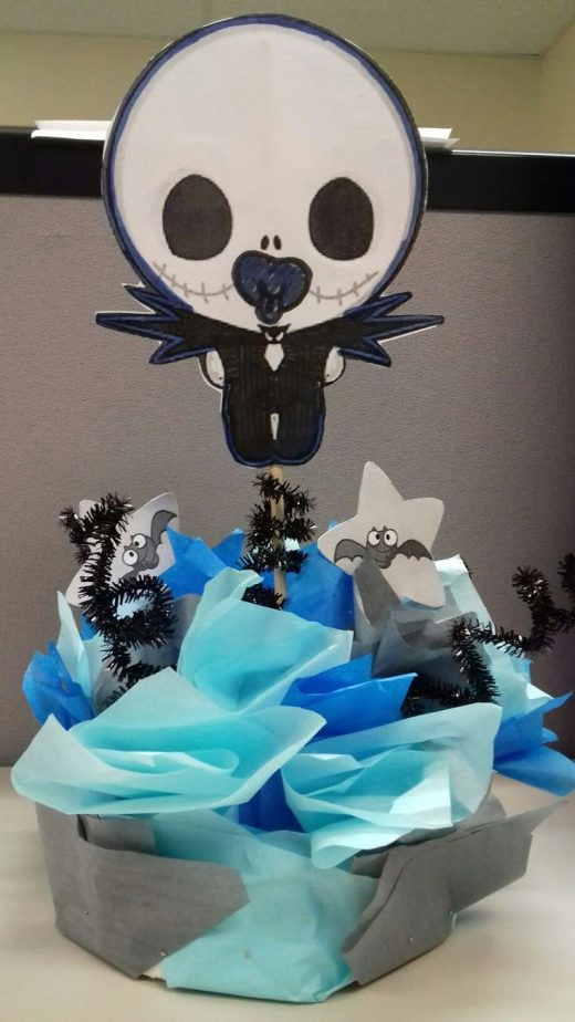 but if you want something practical after the party you could also make mini versions of this jack skellington diaper cake and place them as centerpieces