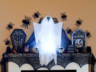 DIY Spooky Halloween Mantel