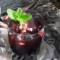 De Menthe Cranberry Cocktail
