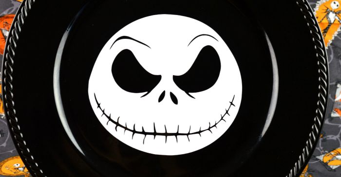 Make Your Own Jack Skellington Charger Plate