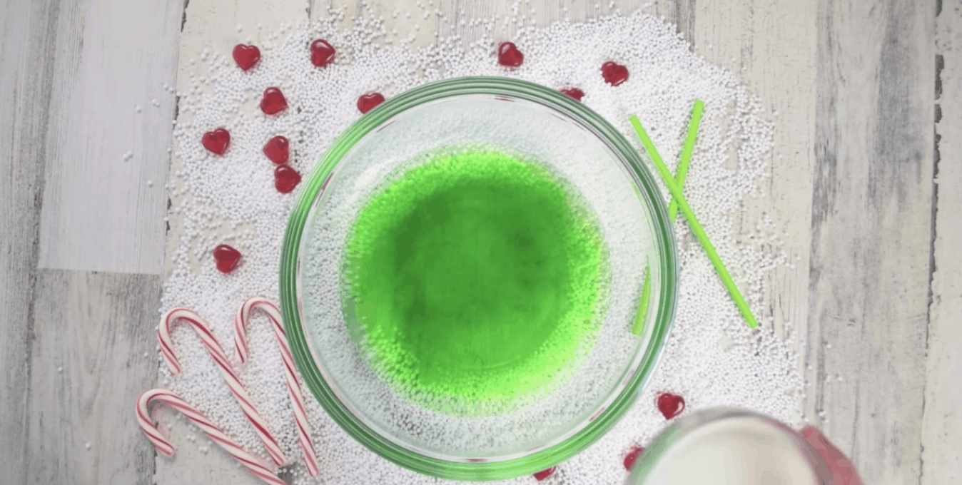 bowl of green grinch punch