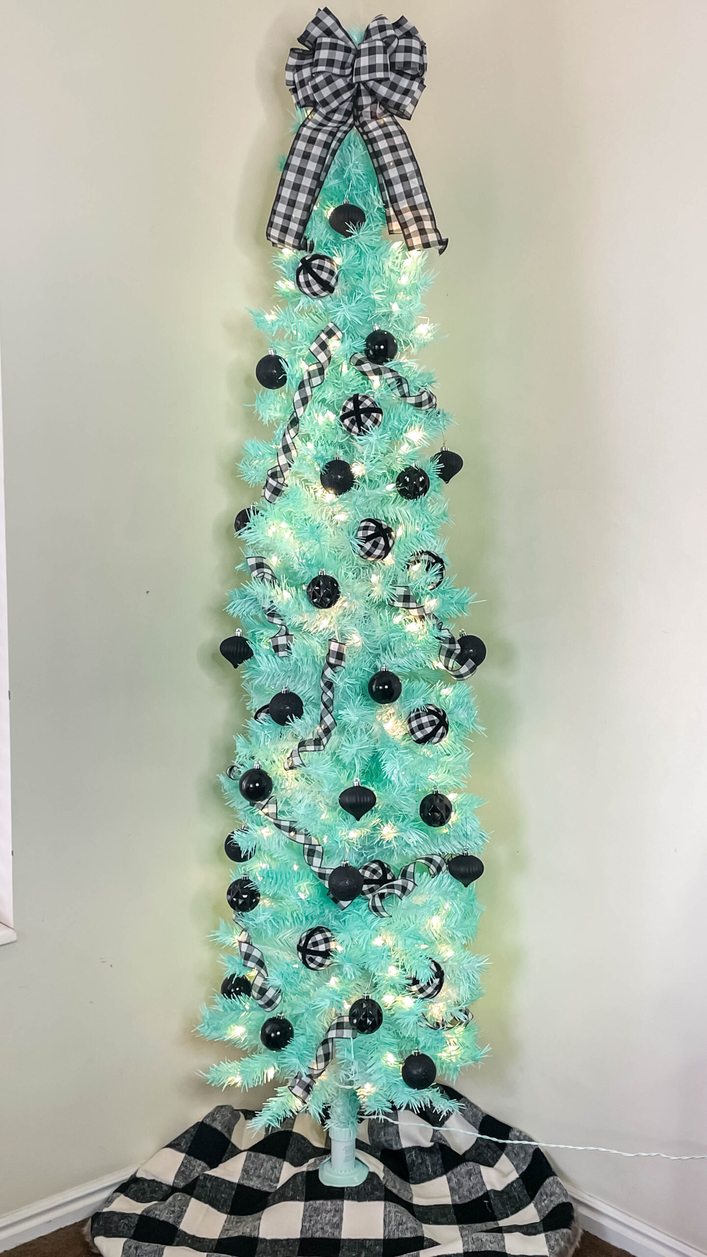 Diy Mint Christmas Tree How To Spray Paint A Christmas Tree