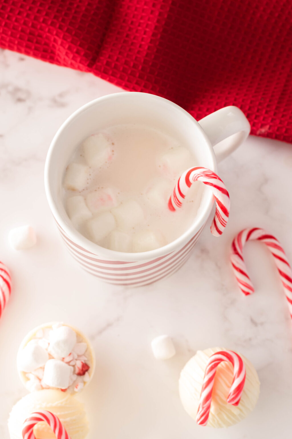 how to make peppermint hot chocolate bombs