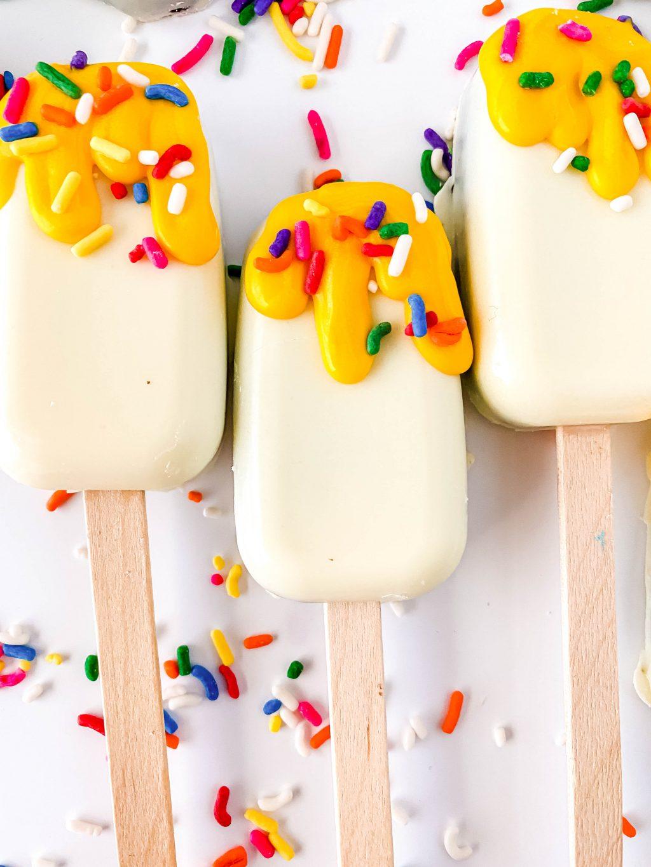 ice cream cakesicles on white table